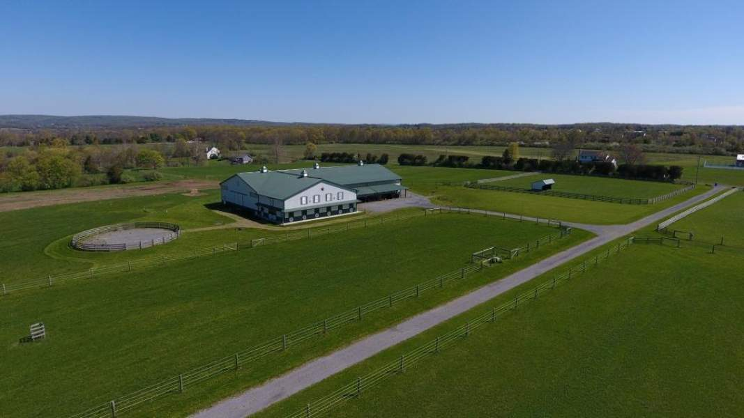 Indoor Arena and 7-Stall Horse Barn